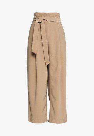 RONAKB PANTS - Kalhoty - amphora