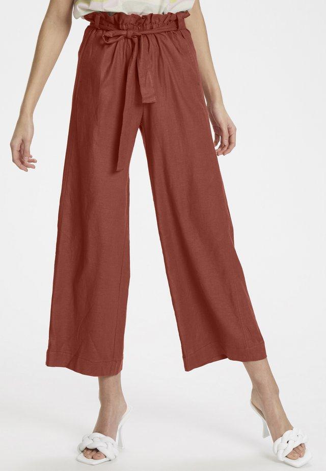 ANTONIAKB PANTS - Trousers - redwood