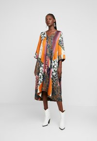 Karen by Simonsen - MOSA TIE DRESS - Day dress - desert palm - 2