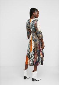 Karen by Simonsen - MOSA TIE DRESS - Day dress - desert palm - 3