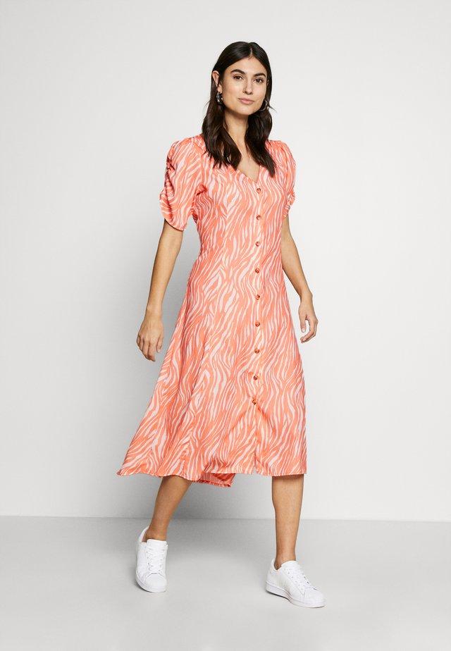 ZIPPY DRESS - Day dress - canteloupe