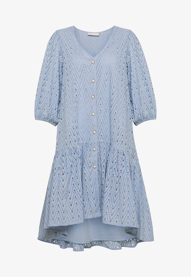AVIENEKB DRESS - Abito a camicia - skyway