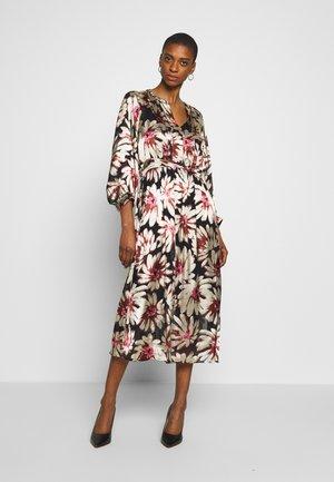 ALMAKB DRESS - Day dress - camellia rose