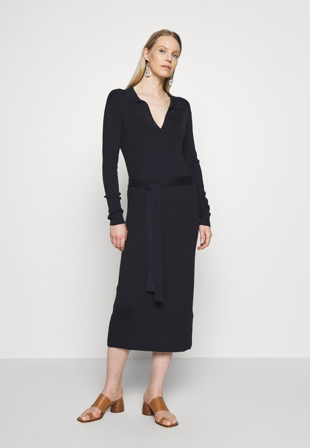 BARTA DRESS - Pletené šaty - night sky