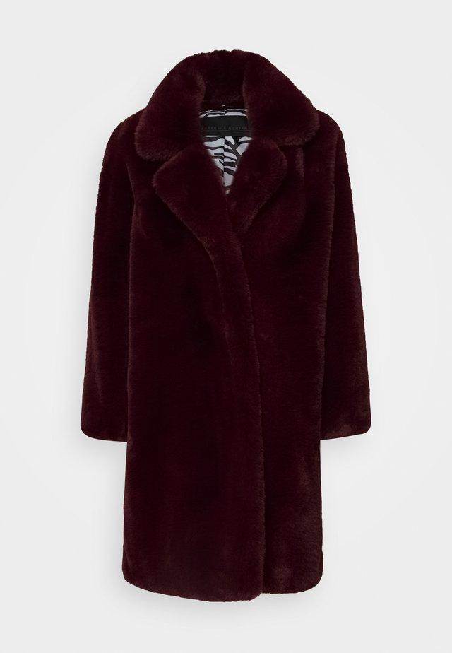 CAZZLE COAT - Winter coat - winetasting