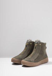 KariTraa - TAKT - Hiking shoes - twig - 2