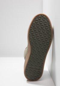 KariTraa - TAKT - Hiking shoes - twig - 4