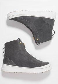 KariTraa - TAKT - Hiking shoes - dove - 1