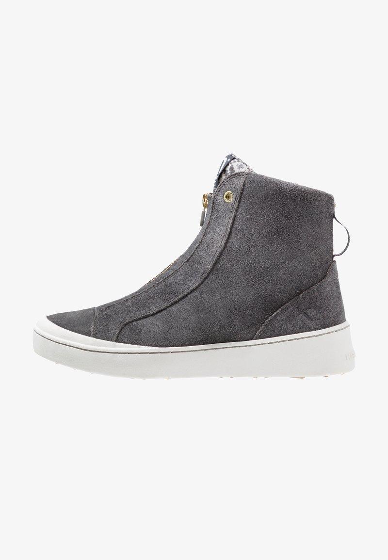 KariTraa - TAKT - Hiking shoes - dove