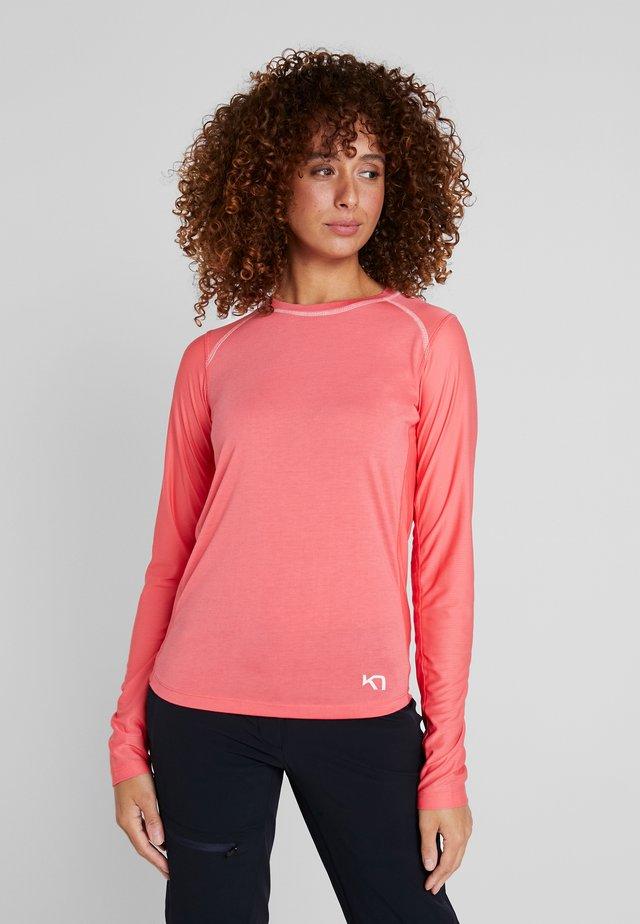 CAROLINE  - T-shirt sportiva - kiss
