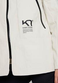 KariTraa - BAVALLEN JACKET - Waterproof jacket - white - 5
