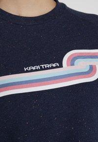 KariTraa - SONGVE - Sweatshirts - marin - 5