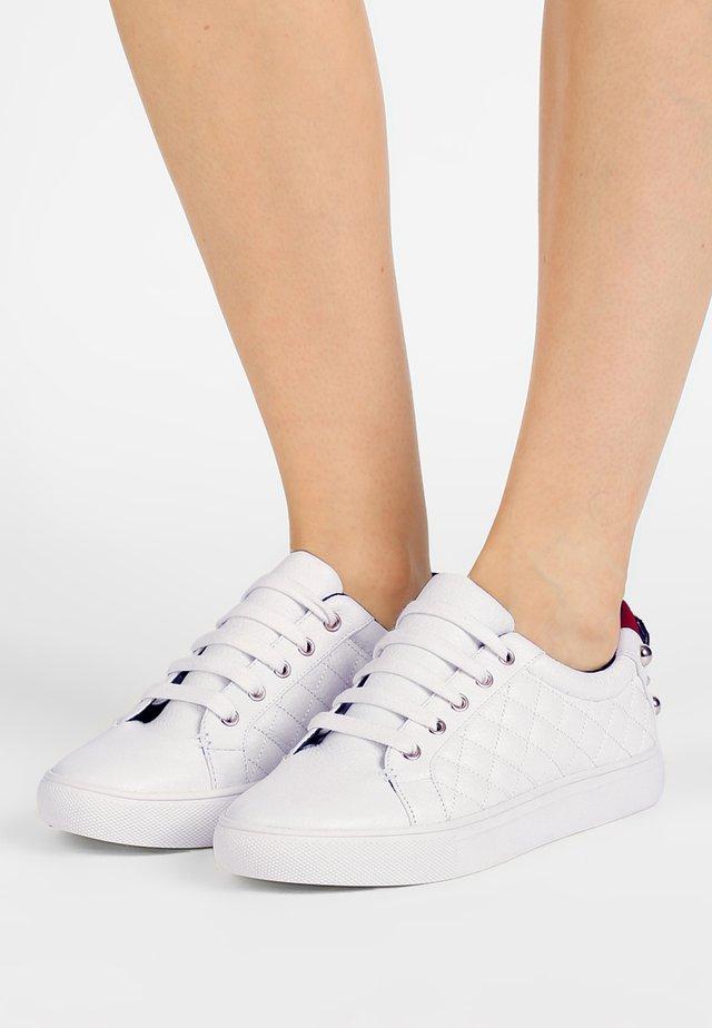 LUDO - Sneaker low - white
