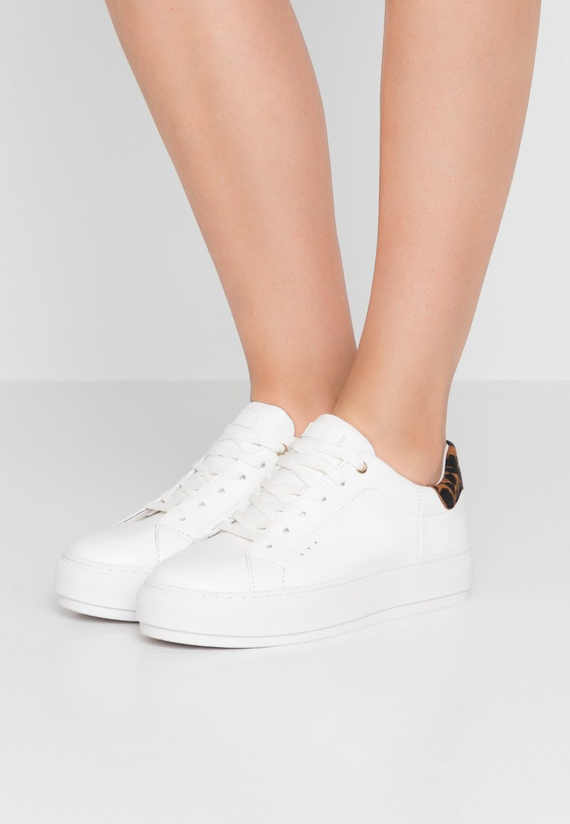 Kurt Geiger London - LANEY - Trainers - cream
