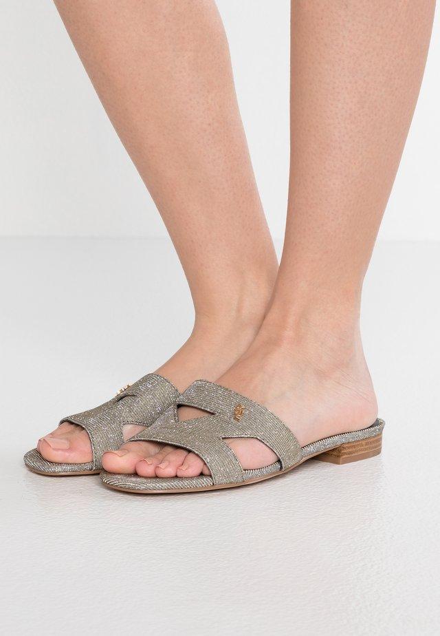 ODINA - Pantolette flach - silver