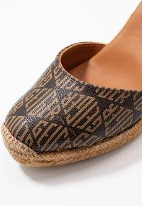 Kurt Geiger London - MONTY MONOGRAM - High heeled sandals - brown - 2
