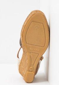 Kurt Geiger London - MONTY MONOGRAM - High heeled sandals - brown - 6