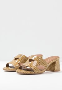 Kurt Geiger London - ODINA BLOCK - Heeled mules - camel - 4