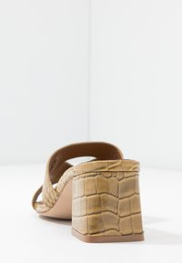 Kurt Geiger London - ODINA BLOCK - Heeled mules - camel - 5