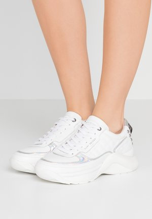 LUNAR EAGLE - Sneakers basse - white