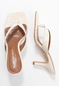 Kurt Geiger London - BIANKA - Sandály s odděleným palcem - bone - 3
