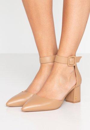 BURLINGTON - Classic heels - camel