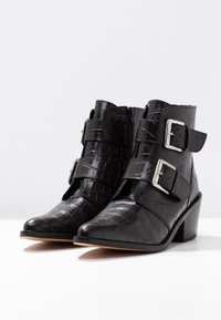 Kurt Geiger London - DENNY - Stivaletti texani / biker - black - 4