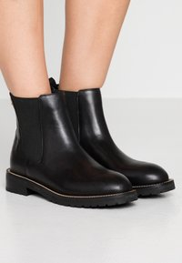 Kurt Geiger London - SIMONE - Stiefelette - black - 0