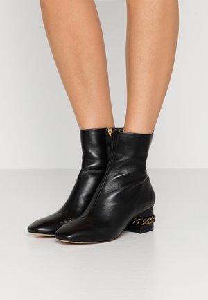 RAQUEL BLOCK BOOT - Støvletter - black