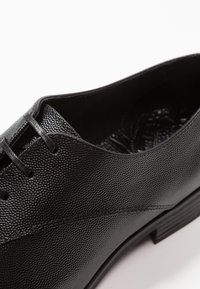 Kurt Geiger London - VERONA - Stringate eleganti - black - 5