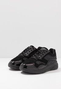 Kurt Geiger London - STREATHAM - Sneaker low - glitter black - 2