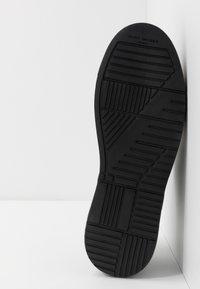 Kurt Geiger London - JACOBS - Sneakersy niskie - black - 4