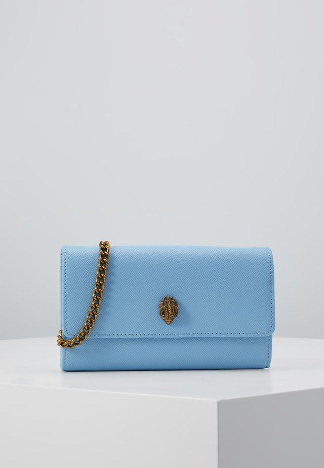 KENSINGTON CHAIN WALLET - Peněženka - blue