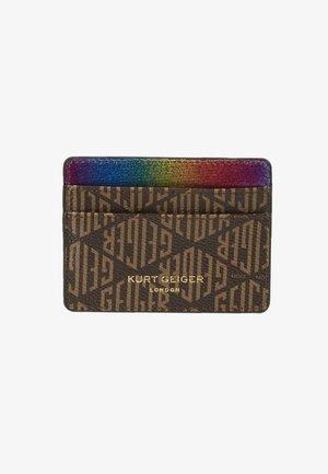 MONOGRAM CARD HOLDER - Lompakko - brown