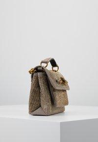 Kurt Geiger London - FABRIC CHELSEA BAG - Handtasche - balck/brown - 3