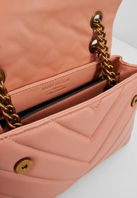 Kurt Geiger London - KENSINGTON BAG - Across body bag - salmon