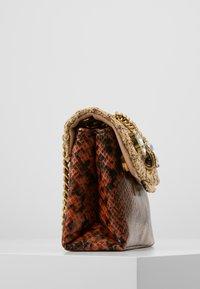 Kurt Geiger London - KENSINGTON MINI - Across body bag - camel - 4