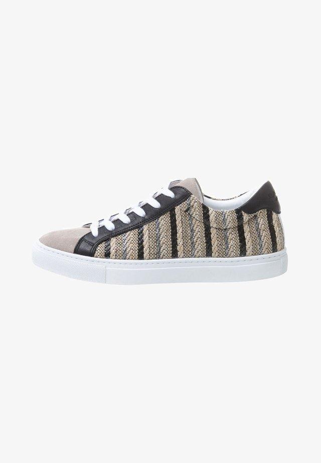 RAFFIA - Sneakers laag - brown