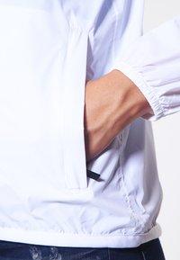 K-Way - LE VRAI CLAUDETTE - Veste imperméable - white - 5
