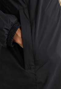 K-Way - CHARLENE MARMOTTA - Kort kåpe / frakk - black - 3