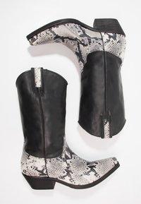 Kentucky's Western - Cowboy/Biker boots - tahore arce - 1