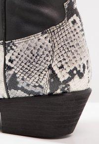 Kentucky's Western - Cowboy/Biker boots - tahore arce - 5
