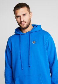 K1X - COLOR DISTRESSED HOODY - Jersey con capucha - lapis blue - 4
