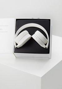 KYGO - ON EAR HEADPHONES - Kopfhörer - white - 3
