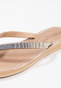 laidbacklondon - SERI  - T-bar sandals - metal silver/grey - 2