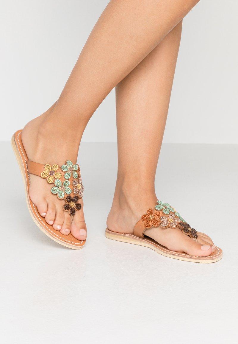 laidbacklondon - COOPER FLAT - T-bar sandals - forest