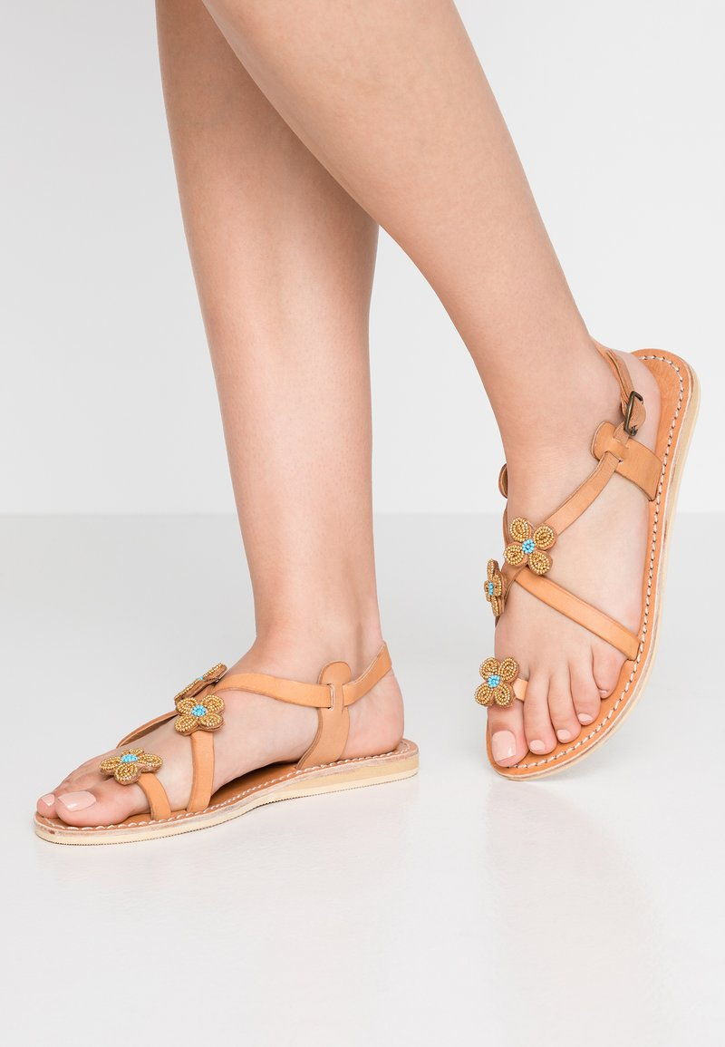 laidbacklondon - BLYTH FLAT - T-bar sandals - metal gold / turquoise