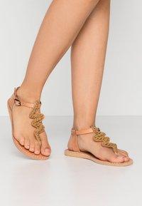 laidbacklondon - ZIGGY FLAT - T-bar sandals - brown/metal gold - 0