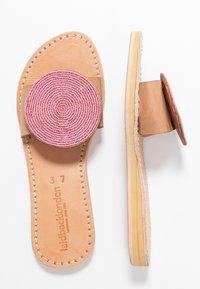 laidbacklondon - REMI - Pantofle - light brown/metal pink - 3