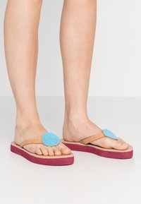 laidbacklondon - DOLI  - T-bar sandals - light brown/turquoise - 0